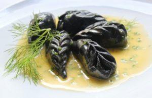 Ravioli neri di seppia e gamberetti / foto @comeresblog